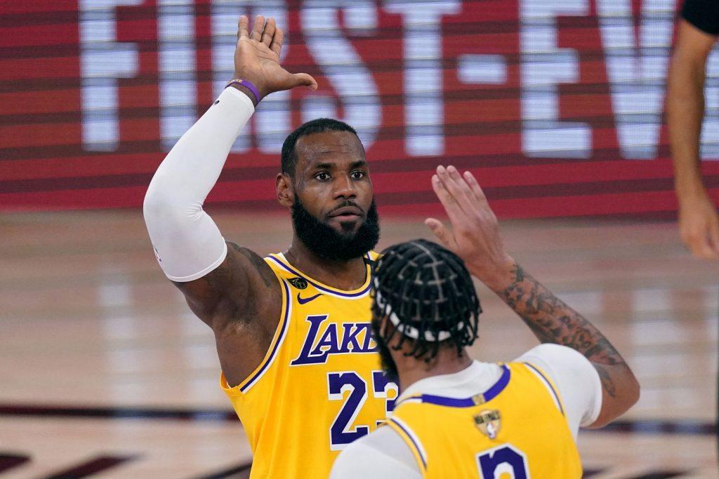 Lakers ganham título de 2020.  - Tarefa de Esportes 3